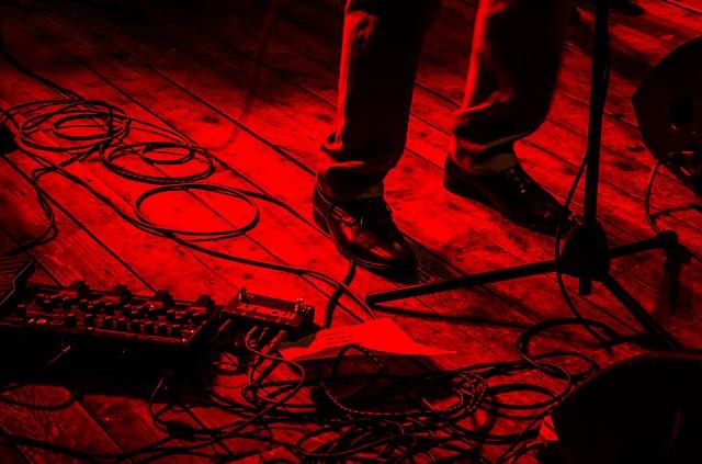 Mikrofone auf der Bühne